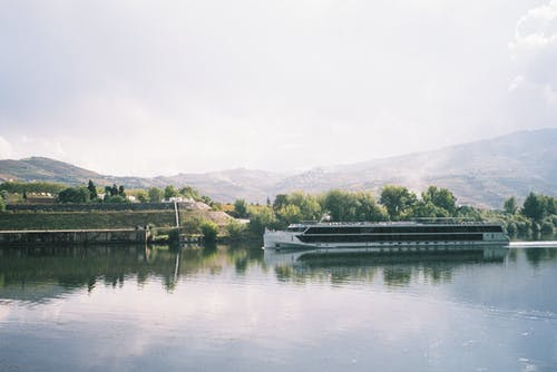 Free stock photo of beautiful landscape, boat, cloudy sky, cruise