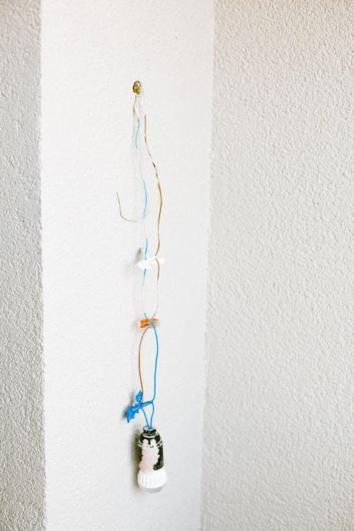 , biała ściana, elektryczność