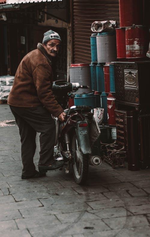 Ingyenes stockfotó dzseki, felnőtt, Férfi, kabát témában