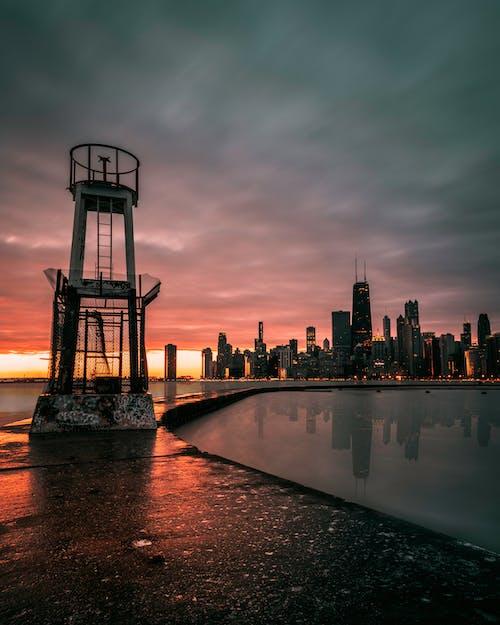 ゴールデンアワー, シティ, ダーク, タワーの無料の写真素材