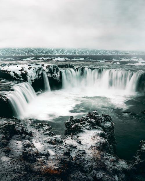 Foto d'estoc gratuïta de cascada, cascades, des de dalt, natura