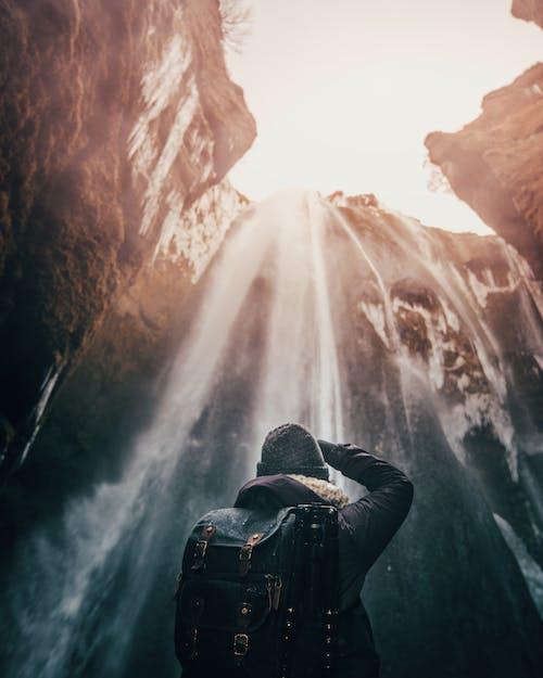 Foto d'estoc gratuïta de a l'aire lliure, alba, aventura, boina de llana