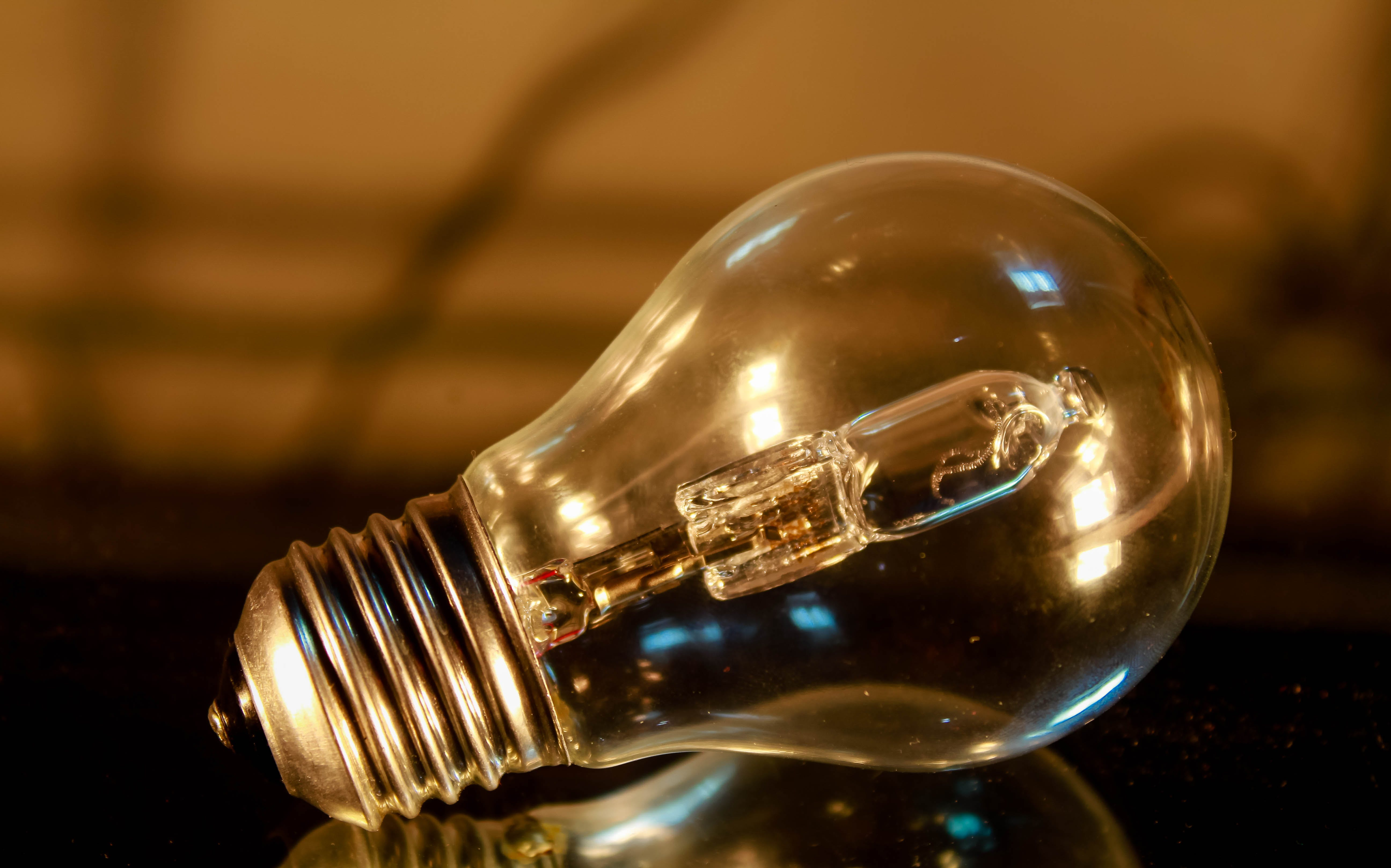 Light Bulb Shallow Focus Photography