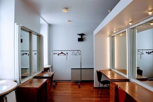 คลังภาพถ่ายฟรี ของ กระจก, การออกแบบตกแต่งภายใน, พื้นไม้, ว่างเปล่า