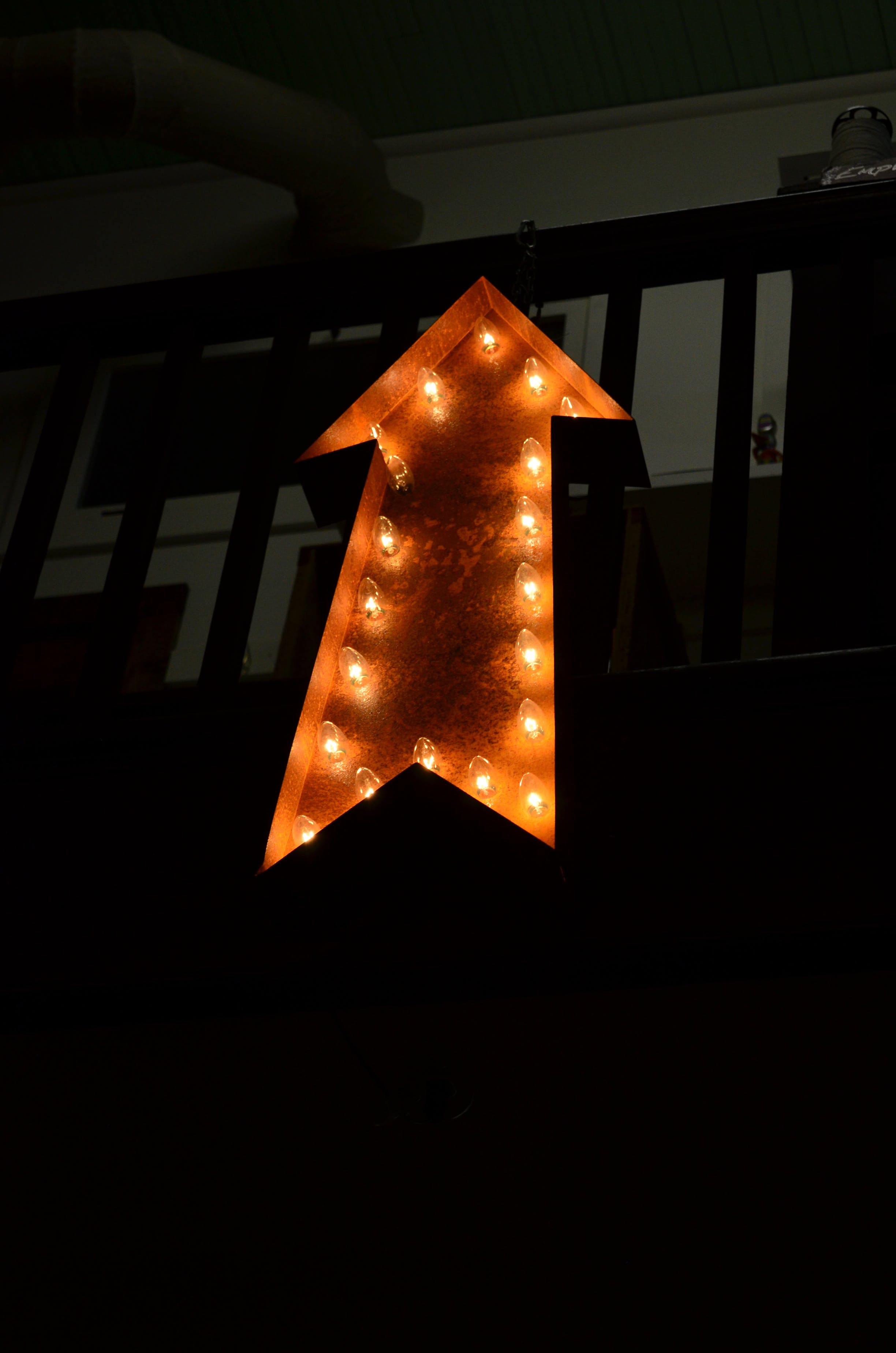 Lighted Brown Arrow Lamp
