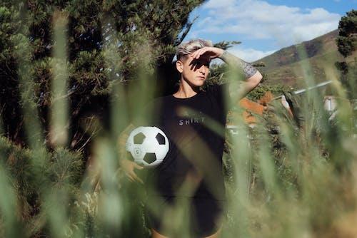 Základová fotografie zdarma na téma fotbal, fotbalista, fotbalový míč, hra
