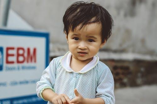 Základová fotografie zdarma na téma asijské děti, babygrow, děti, dětská ruka