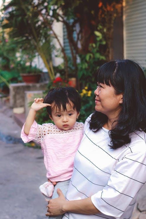 Základová fotografie zdarma na téma děti, holčička, matka a dítě, na výšku