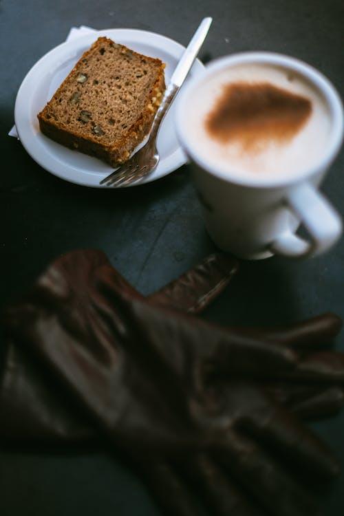 Ingyenes stockfotó cappuccino, desszert, dió torta, élelmiszer témában