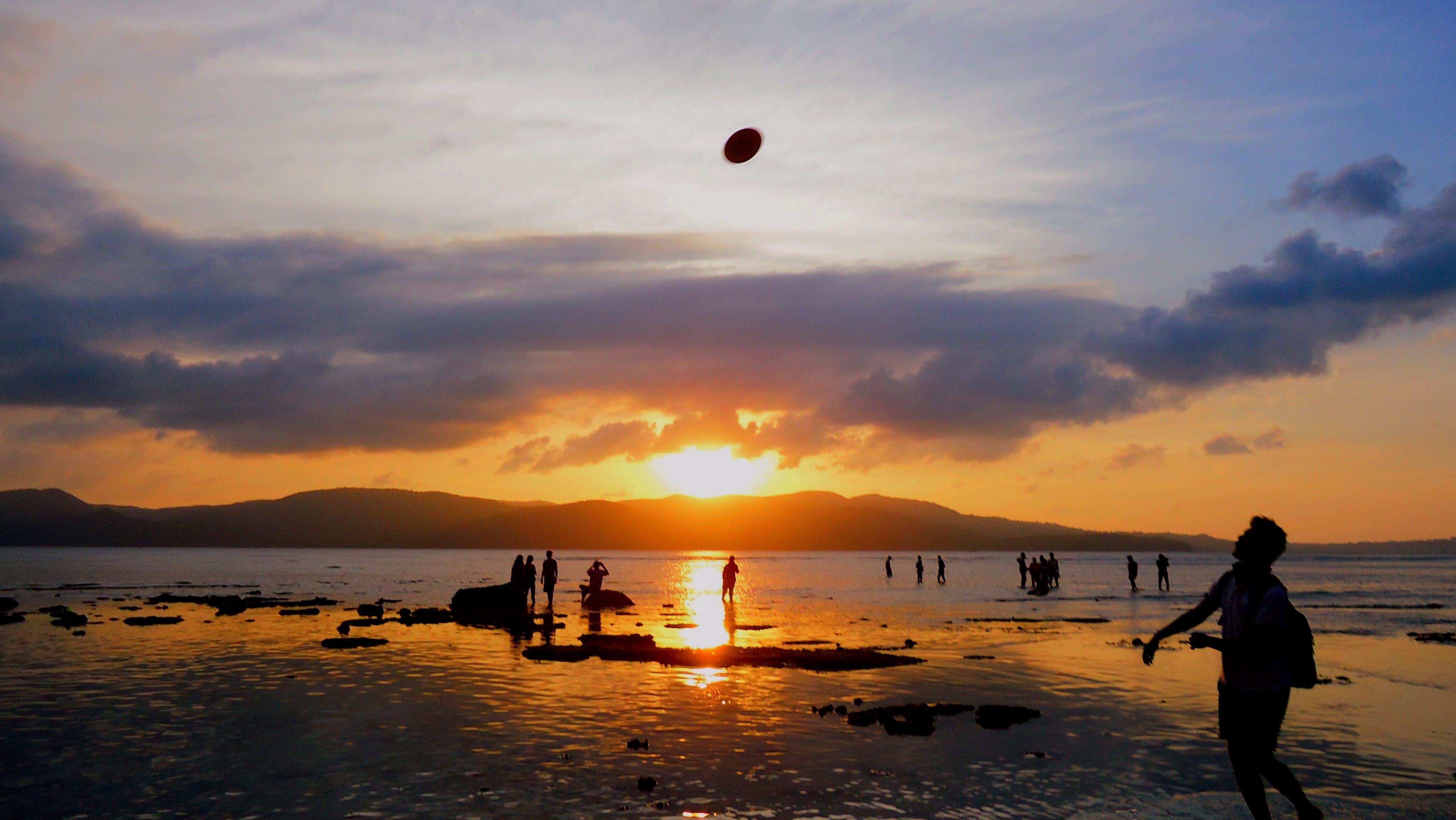 akşam, boş zaman, dağ, deniz içeren Ücretsiz stok fotoğraf