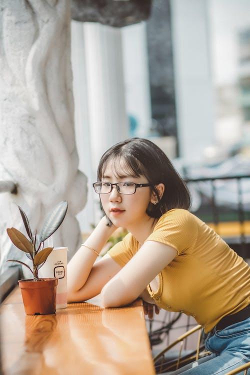 Gratis arkivbilde med asiatisk kvinne, briller, kvinne