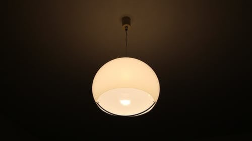 Gratis arkivbilde med innendørs, lampe, taklampe