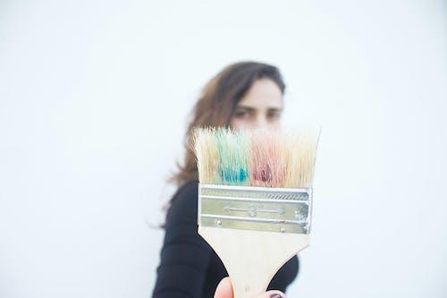 Gratis arkivbilde med 20-25 år gammel kvinne, artist, kreativ, kreativ prosess