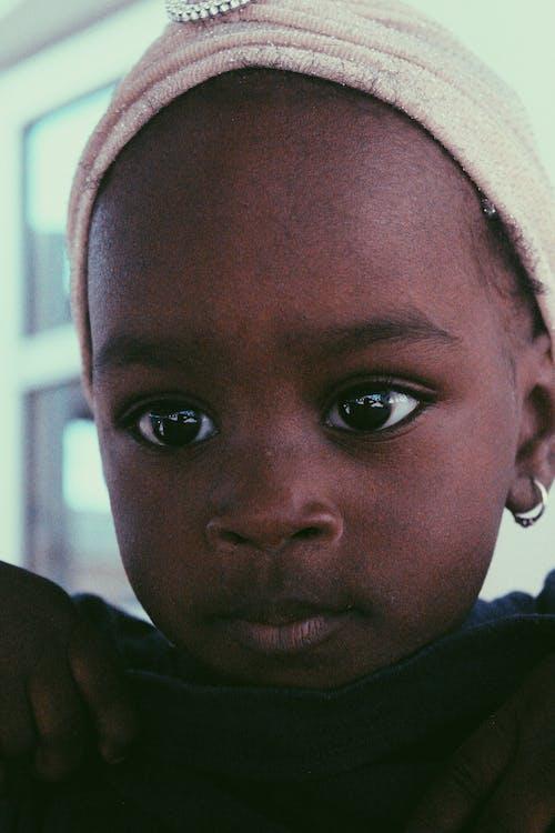 Безкоштовне стокове фото на тему «Африка, африканська дитина, Африканський, великі очі»