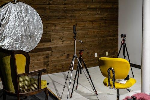 Безкоштовне стокове фото на тему «інтерв'ю, студійна фотозйомка, студія стріляти»