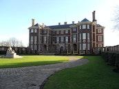 courtyard, england, villa