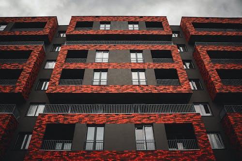 Gratis arkivbilde med arkitektur, boligblokk, bygning, bygningens eksteriør