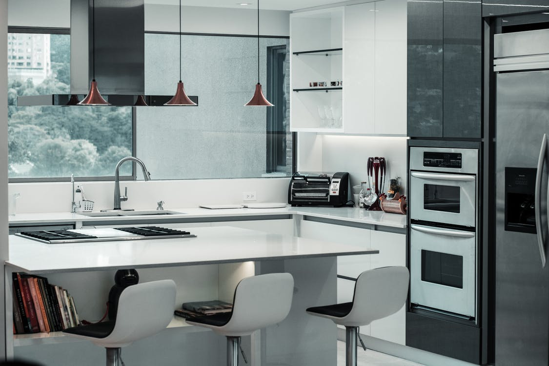 Black And White Kitchen in tri-cities tn