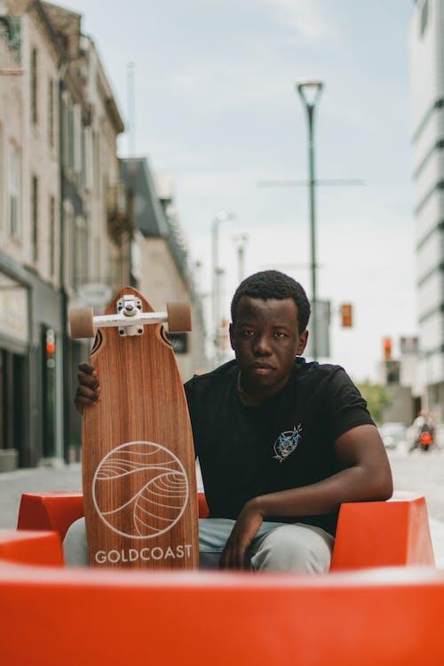 Imagine de stoc gratuită din bărbat afro-american, bărbat de culoare, grav, îmbracă