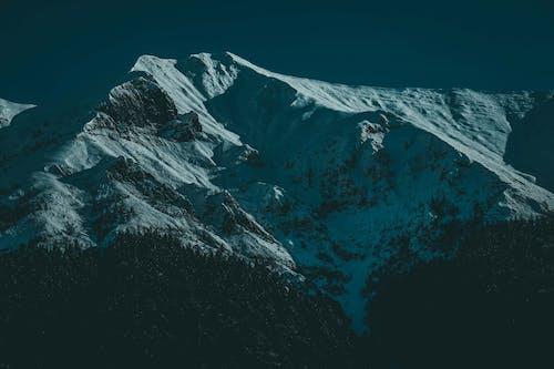 Gratis lagerfoto af bjerg, bjergtinde, forkølelse