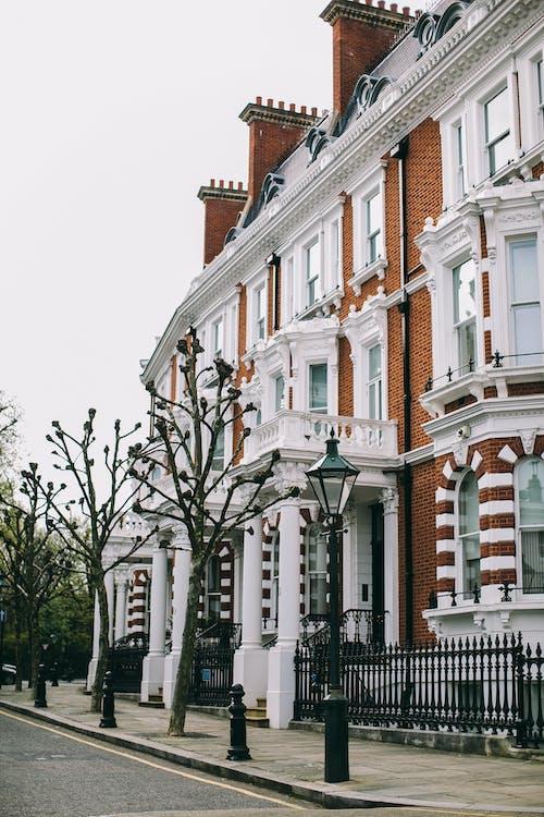 Foto d'estoc gratuïta de arquitectura, carrer, casa, edifici