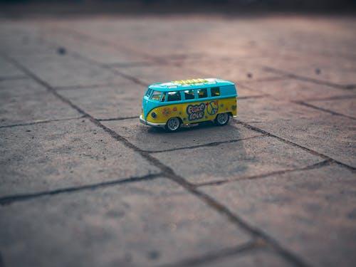 bulanıklık, kaldırım, minik, minyatür oyuncak içeren Ücretsiz stok fotoğraf