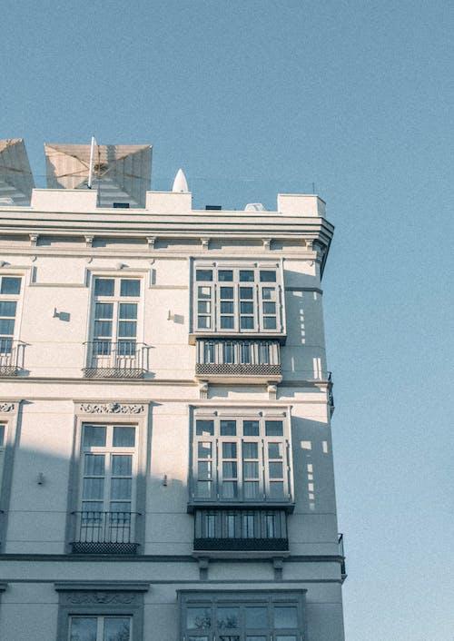 Imagine de stoc gratuită din albastru, arhitectură, arhitectural, balcon