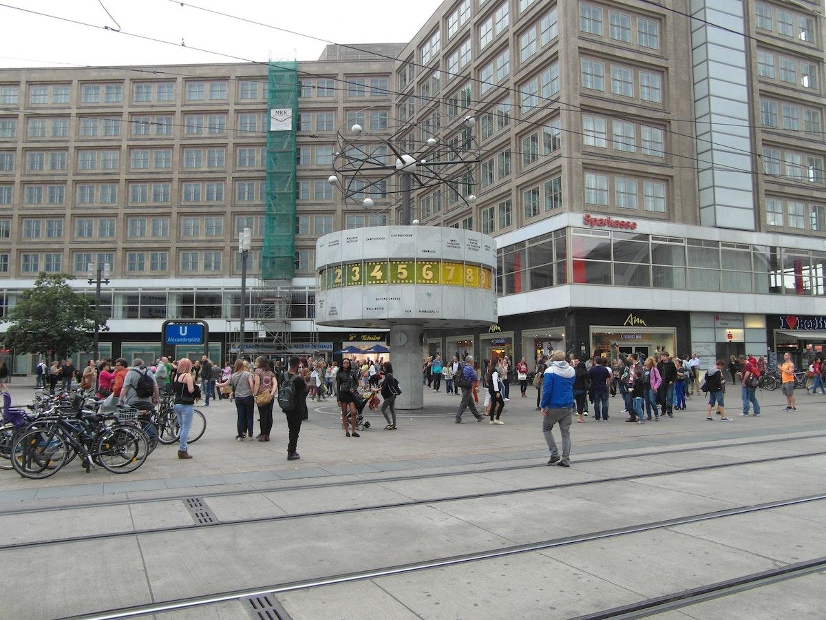 Resultado de imagem para free stock pictures of the world watch in berlin