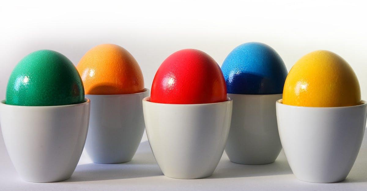Kostenloses foto zum thema bunt dekoriert eier for Cocinar huevos 7 days to die