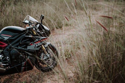 Fotos de stock gratuitas de aparcado, bici, bici de carreras, bicicleta deportiva