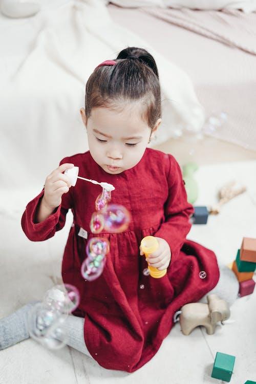Fotos de stock gratuitas de burbujas, chica asiática, cuarto de jugar