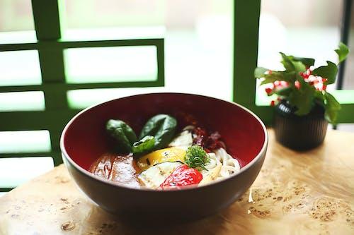 Δωρεάν στοκ φωτογραφιών με udon, yummy, ασιατικό φαγητό, βασιλικός