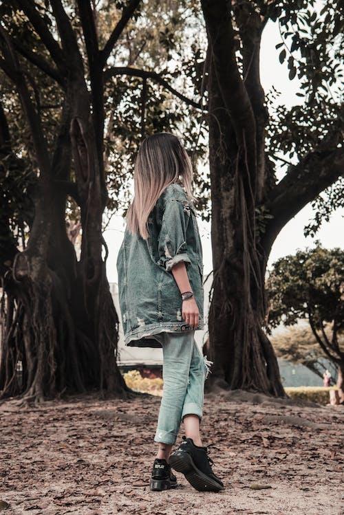 Foto profissional grátis de moda, movimento, mulher, retrato