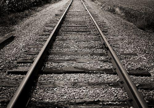 Základová fotografie zdarma na téma čára, černobílá, cestování, dopravní systém