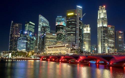 反射, 地標, 城市, 城市的燈光 的 免费素材照片