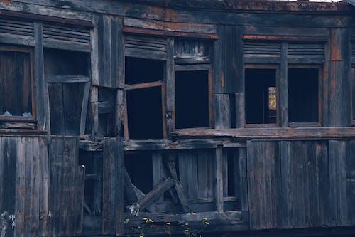 Безкоштовне стокове фото на тему «Windows, візок, Деревина, дерево вагон»