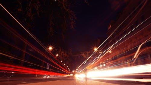 Kostenloses Stock Foto zu autos, beleuchtung, fahrt, geschwindigkeit