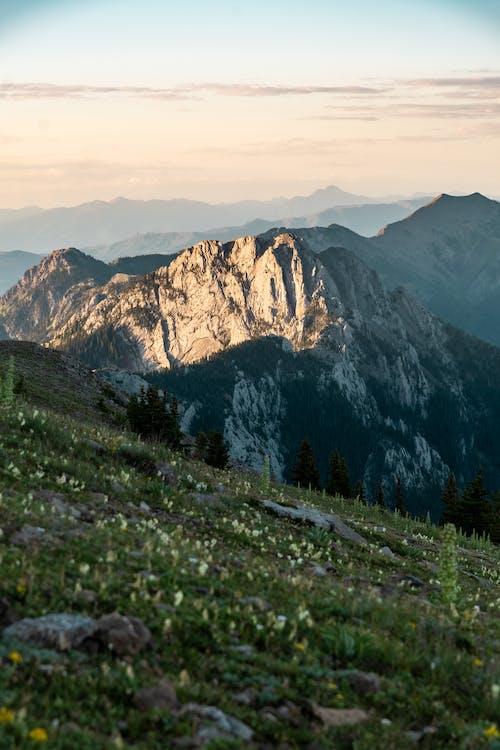 Darmowe zdjęcie z galerii z dolina, góra, krajobraz, malowniczy