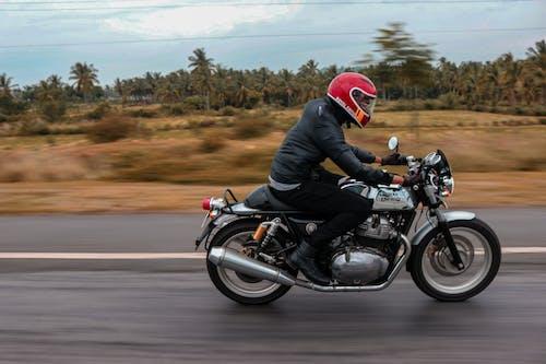 Ilmainen kuvapankkikuva tunnisteilla kuninkaallinen kenttä, moottoripyörä, sumea, suuri nopeus