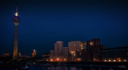 Základová fotografie zdarma na téma dlouhá expozice, média, město, modrá hodinka