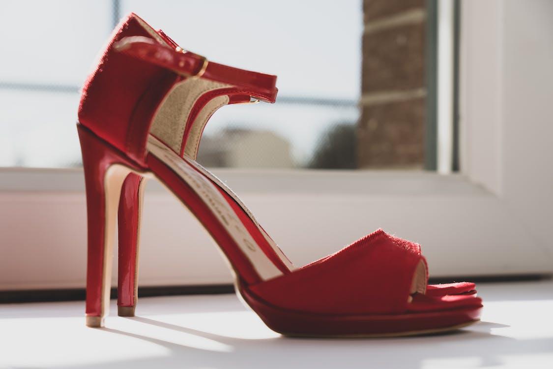 Fotos de stock gratuitas de calzado, cita, clásico