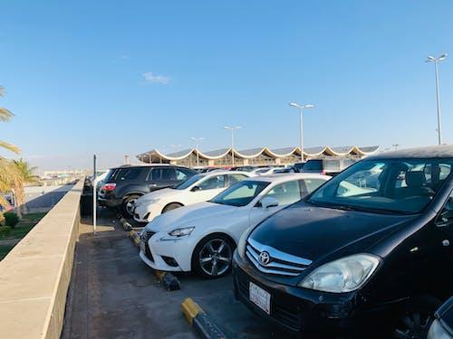 Immagine gratuita di aeroporto, aeroporto internazionale, parcheggio auto