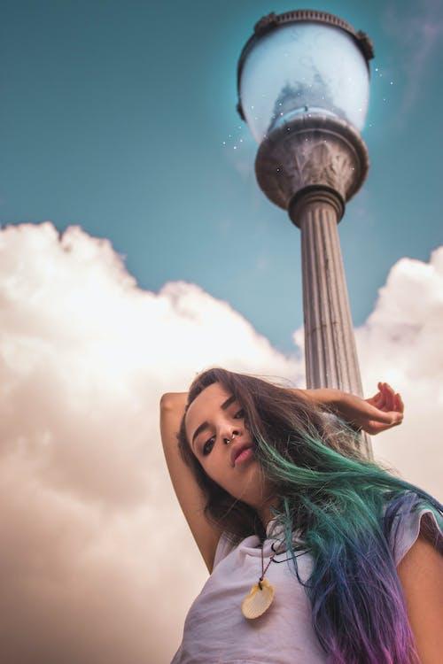 Základová fotografie zdarma na téma barevné vlasy, kouzelník, lehký, maketa