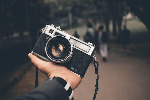 Foto d'estoc gratuïta de analògic, blanc i negre, càmera, càmera analògica