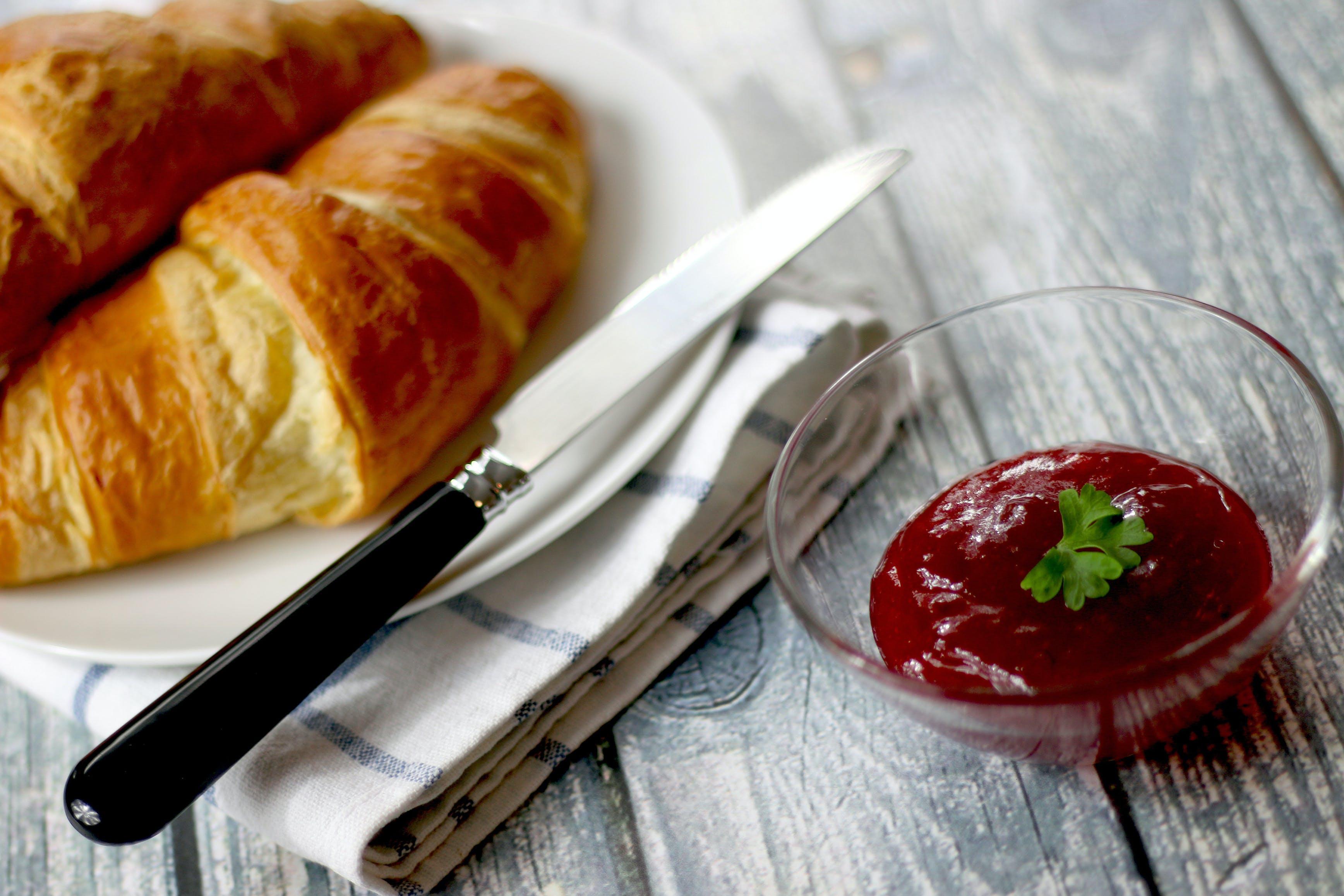 breakfast, croissant, food