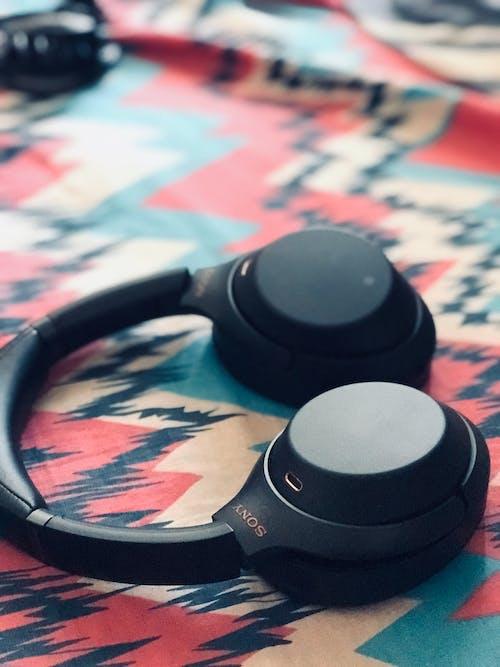 Free stock photo of alone, city life, headphone, headphone amplifier