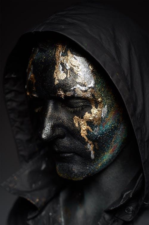 Pintura Facial Negra Y Dorada