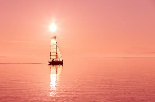 Foto profissional grátis de água, barco, barco a vela, céu