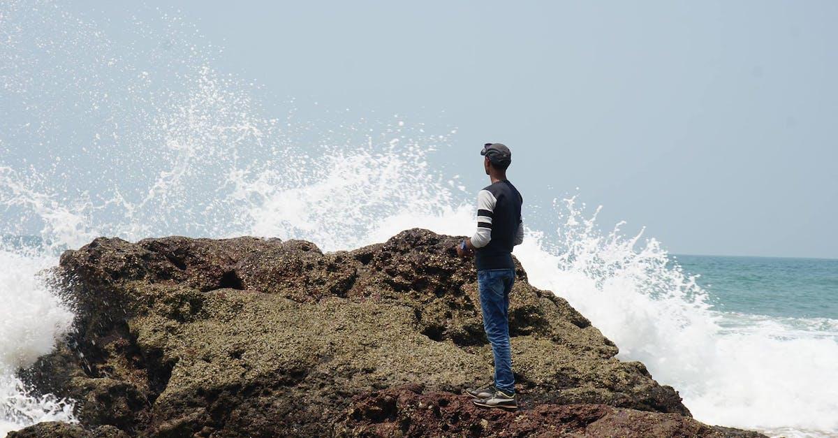 Морской каютный катер фото