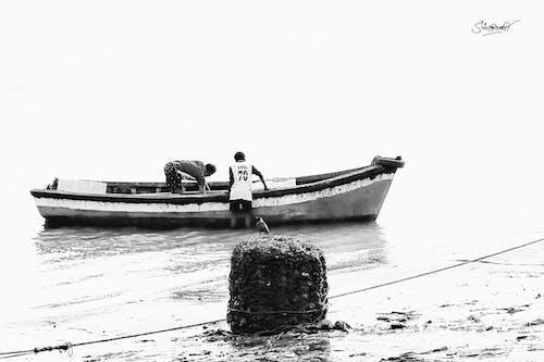 Immagine gratuita di barca, bianco e nero, highkey, mare
